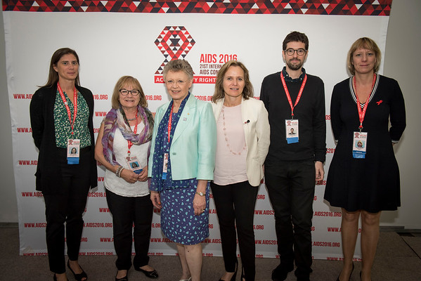 Press conference: Towards an HIV Cure