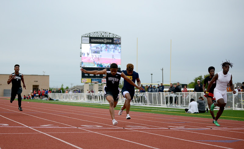 HS-Track-13-6A-District-Championships_023.jpg