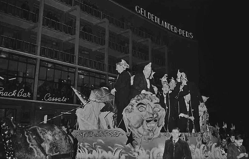 0176-10-intocht-prins-carnaval.jpg