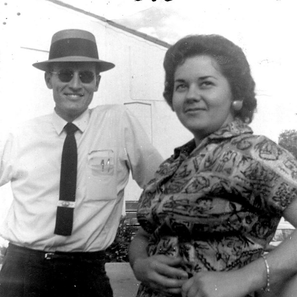 11/28/07 – I obviously didn't shoot this photo of my parents in the late 50s, but it has significance today. This Saturday we will be celebrating their 50th wedding anniversary and I've been building a slide show covering those 50 years. It has taken many hours so I felt it was appropriate to include in my photo project.