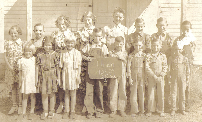 1938-39 Class Picture.jpg