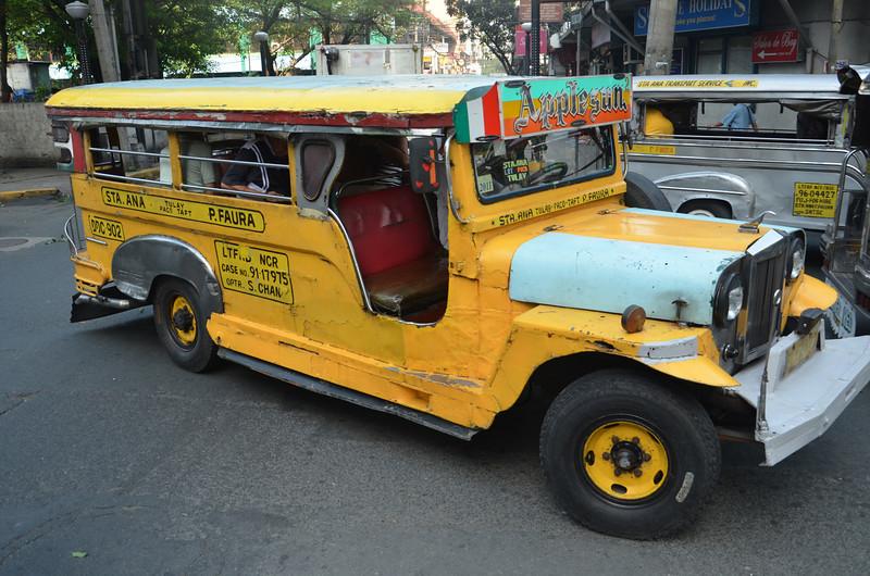 DSC_6334-yellow-jeepney.JPG