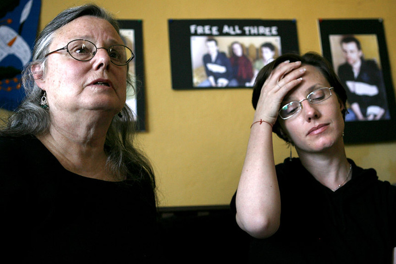Nora Shourd, left, along with her daughter, freed Iran hiker Sarah Shourd, met with the press to reiterate their plea to the Iranian government to release Sarah's fellow hikers, her fiancee Shane Bauer and friend Josh Fattal, Oct. 9, 2010 in Oakland, Calif.   (AP Photo/Dino Vournas)