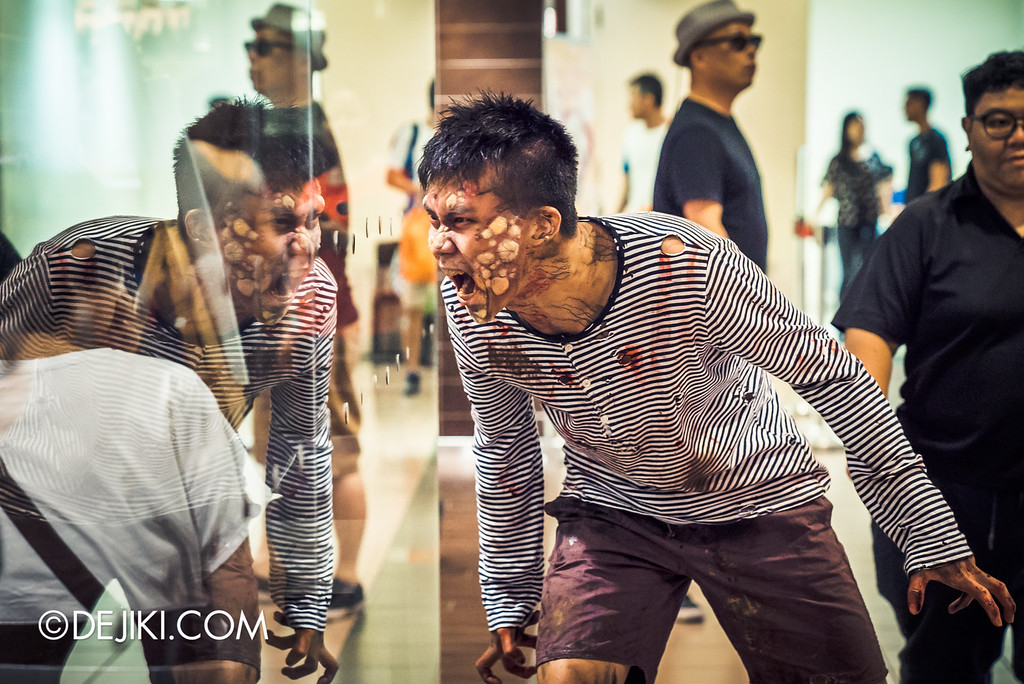 Universal Studios Singapore - Halloween Horror Nights 6 Before Dark Day Photo Report 1 - Poisoned Teen Hawker Centre Massacre