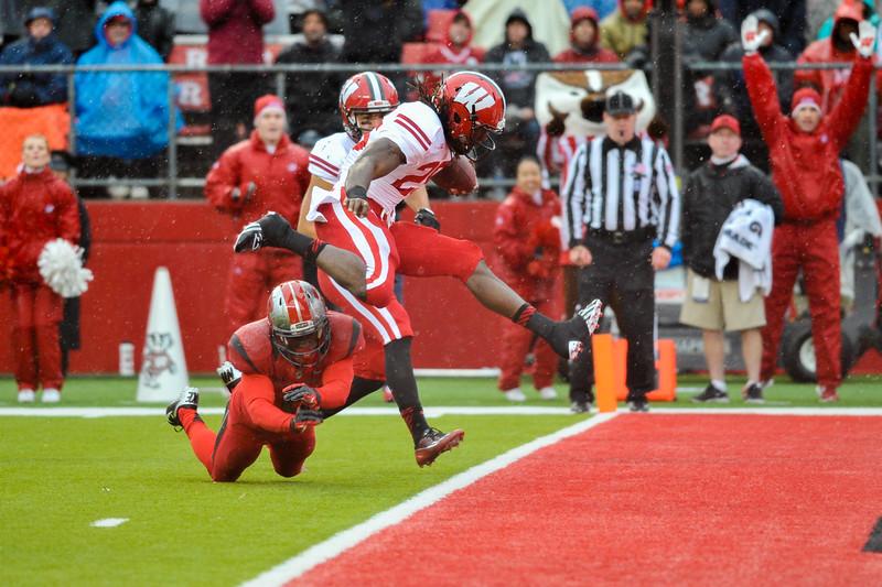 NCAA Football 2014- Wisconsin Visits Rutgers 11/01/2014