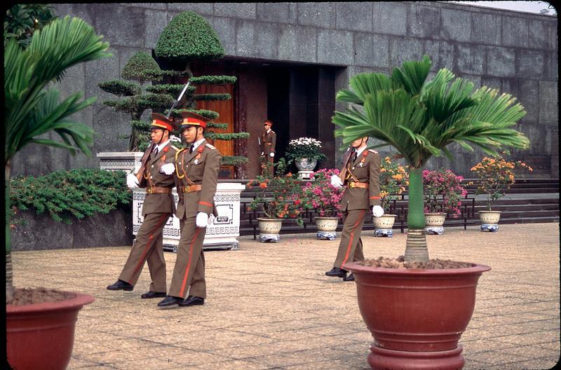 VietnamSingapore1_130.jpg