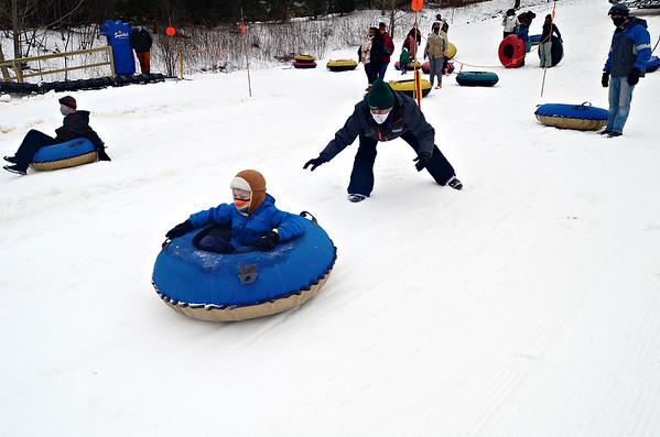 Snowtubing at Bousquet - 010321
