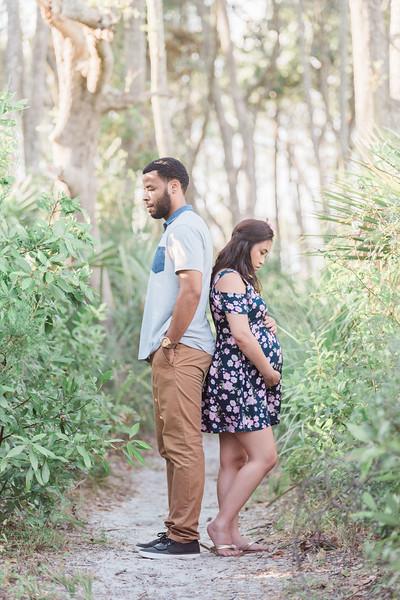 ELP1007 Kelly & Javonte Big Talbot Island maternity 75.jpg