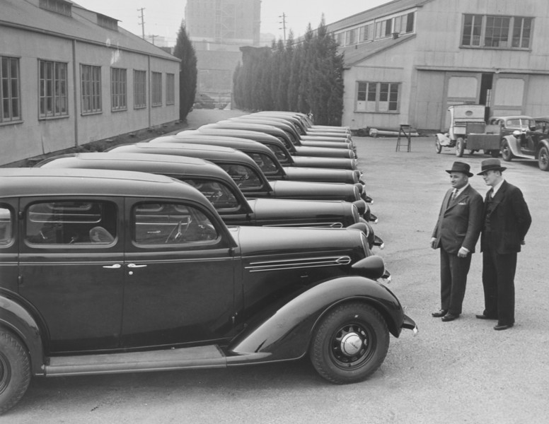 1936, Row of Cars