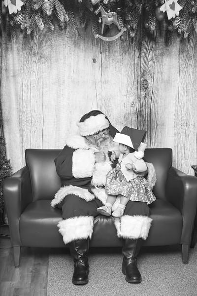 Ameriprise-Santa-Visit-181202-5053-BW.jpg