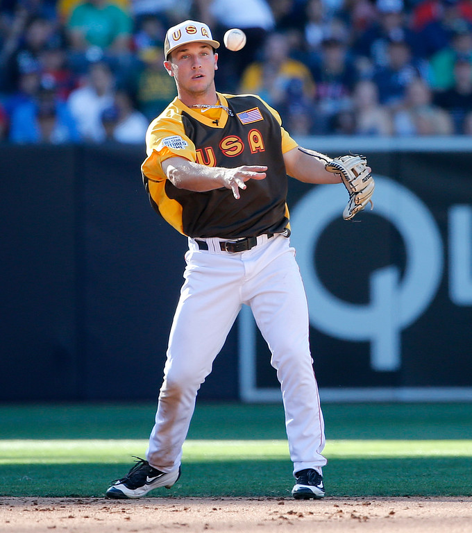 . U.S. Team\'s Alex Bregman, of the Houston Astros, throws against the World Team during the fifth inning of the All-Star Futures baseball game, Sunday, July 10, 2016, in San Diego. (AP Photo/Lenny Ignelzi)