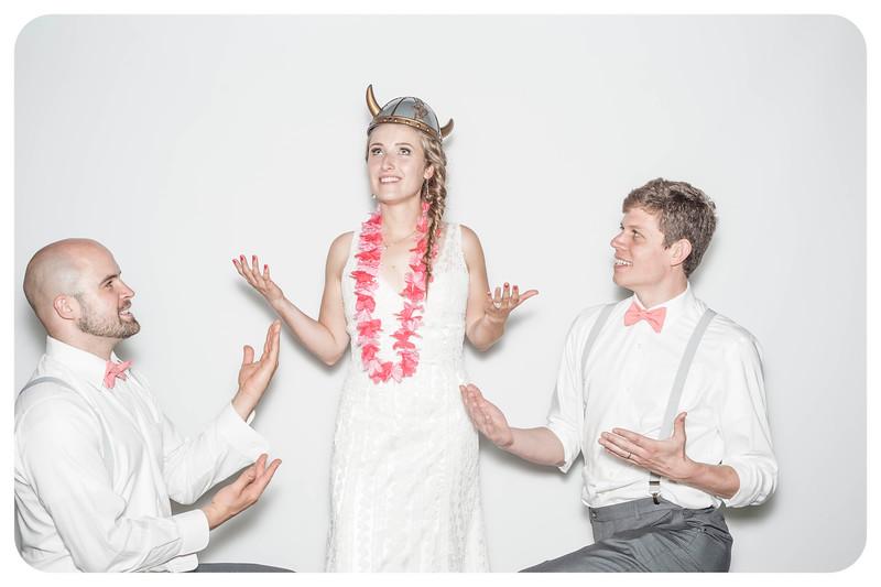 Alison+Jules-Wedding-Photobooth-158.jpg