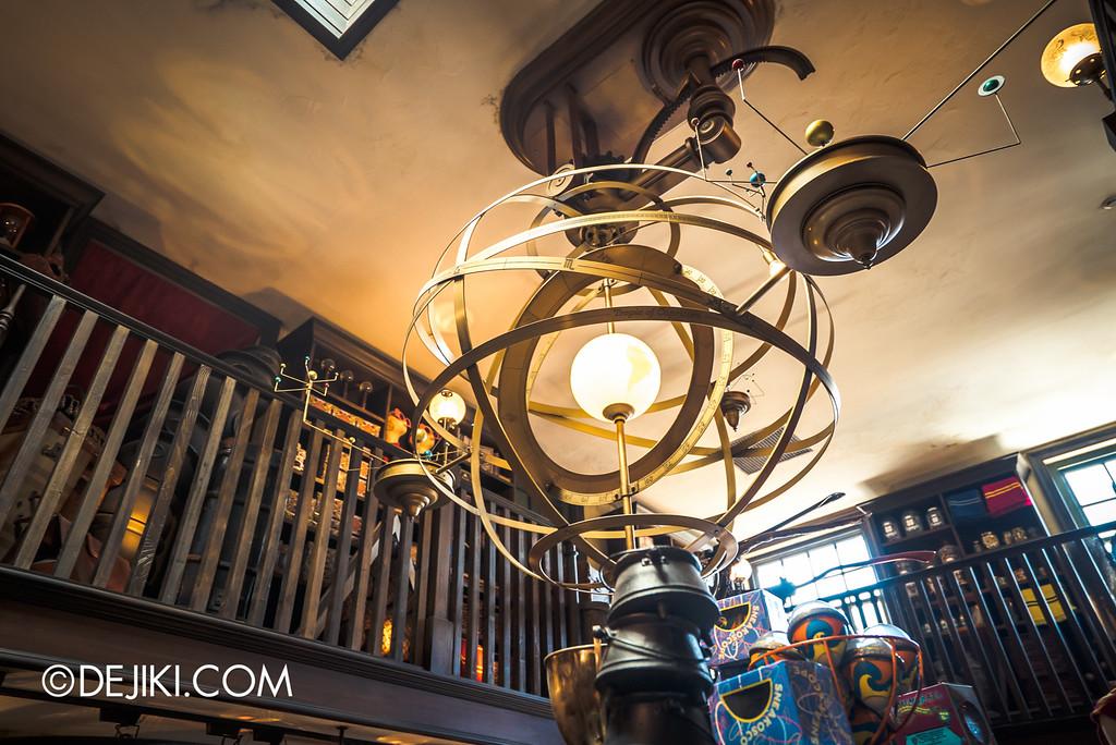 Universal Studios Japan - The Wizarding World of Harry Potter - Hogsmeade Dervish & Banges ceiling