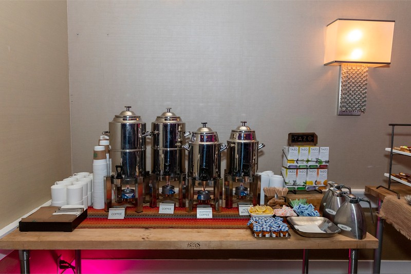 2019_11_Yachtail_Party_00325.jpg