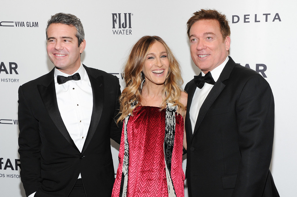 . Television personality Andy Cohen, left, poses with honorees actress Sarah Jessica Parker and agent Kevin Huvane at amfAR\'s New York gala at Cipriani Wall Street on Wednesday, Feb. 6, 2013 in New York. (Photo by Evan Agostini/Invision/AP)