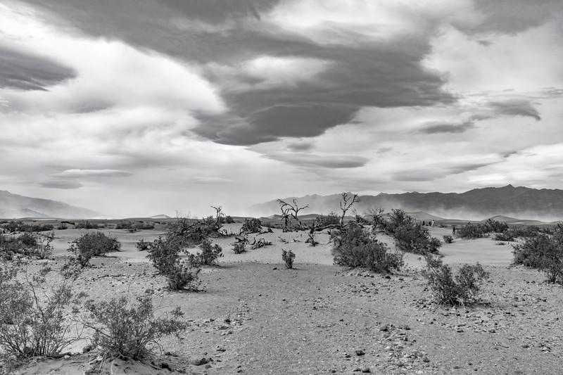 Death-valley-National-park-sand-storm2.jpg