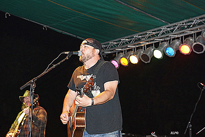 JT CURTIS and the Florida Scoundrels concert photos
