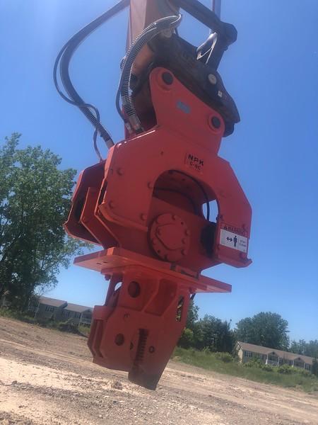 NPK C8CSD sheet pile driver on Case CX210D excavator - Monroe Tractor  06-20 (19).jpg