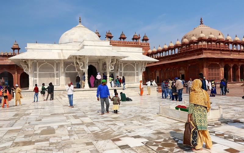 The Tomb of Sheikh Salim Chishti - built between 1580 and 1581 - Fatehpur Sikri