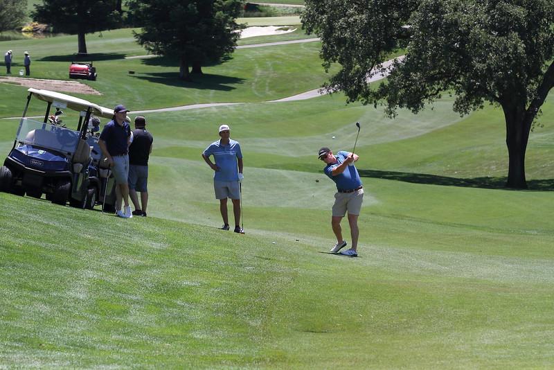 Momentum Golf Benefit-76.jpg