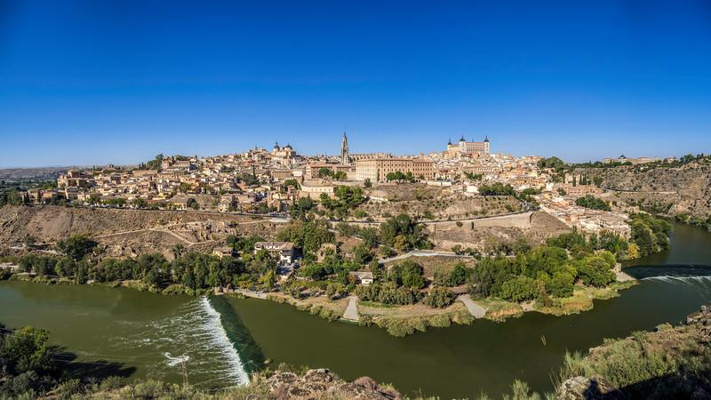 00700 Toledo Skyline Panorama.jpg