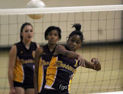 Roosevelt v North Volleyball 9-15-10