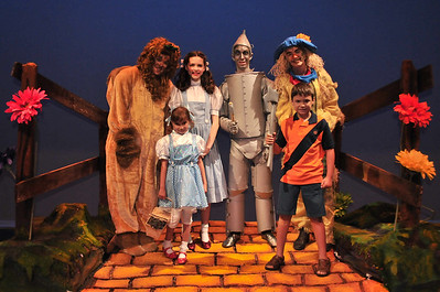 The WIZARD of OZ Photos with Characters
