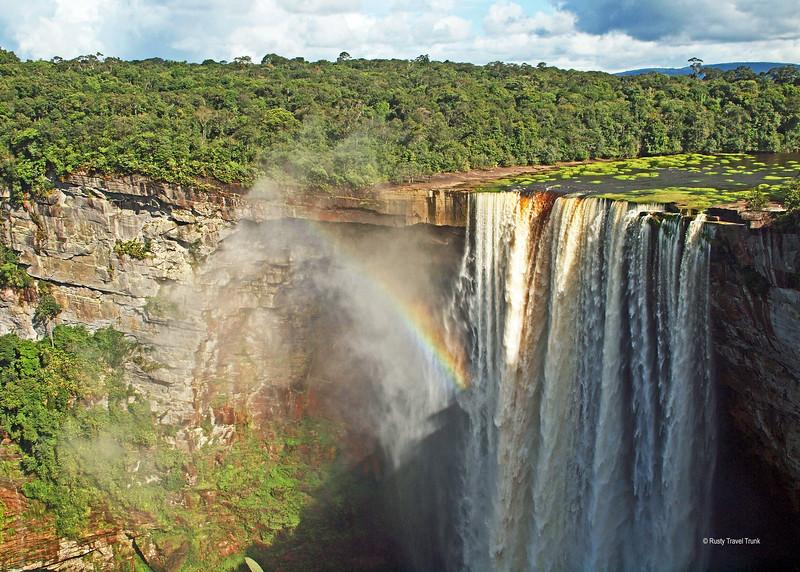Kaieteur National Park - falls (3).JPG
