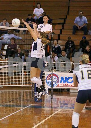 11/19/2004 Dowling vs Queens NCAA NE Regional Finals