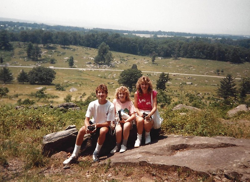gettysburg_family pose by battlefield.jpg