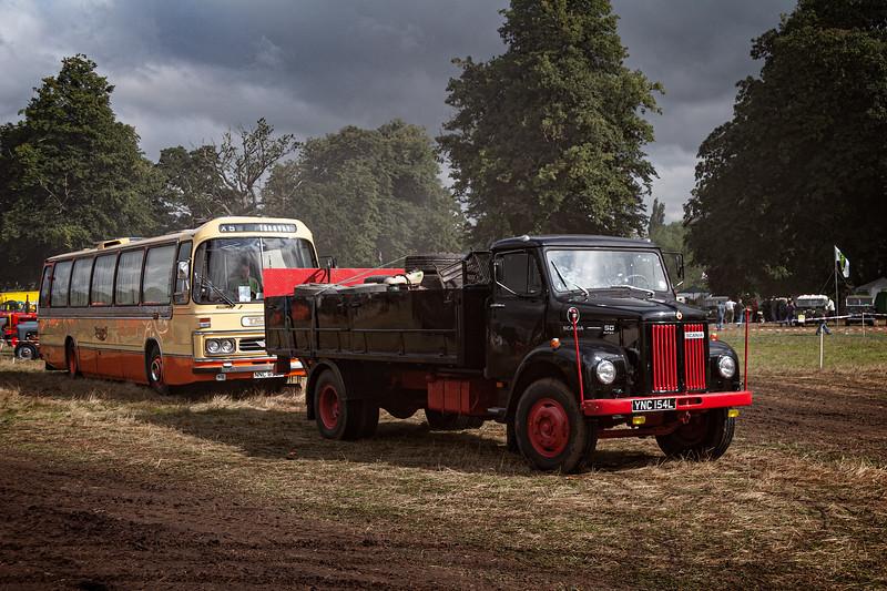 Vintage Vehicles at Chelford_MG_2230.jpg