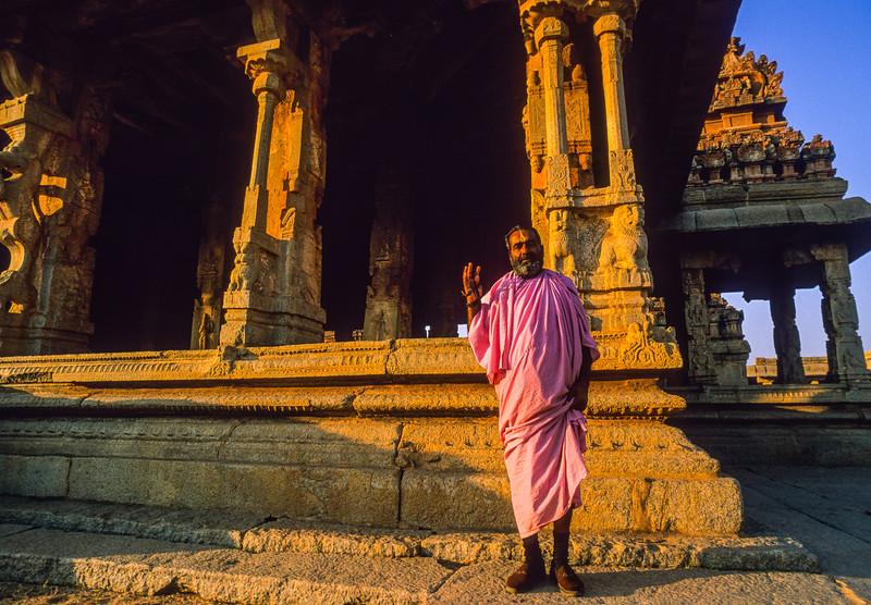 20121207-20121207-cult_thai_44.jpg