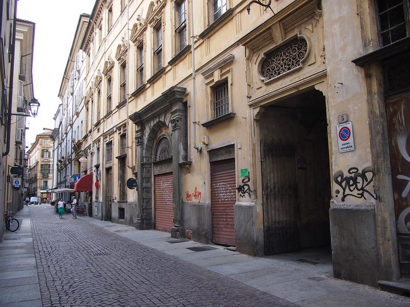 P7165140-via-della-basilica.JPG