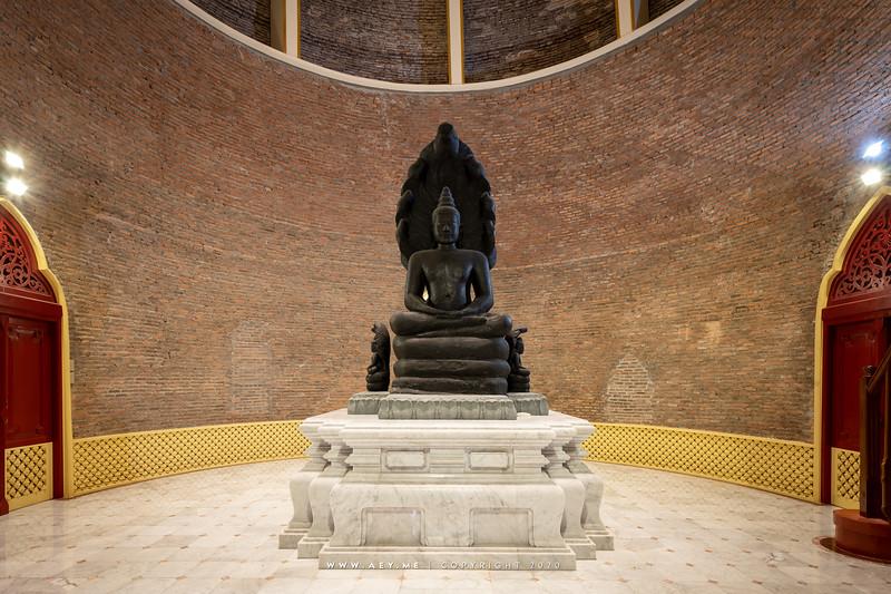 Phra Chedi (Interior)