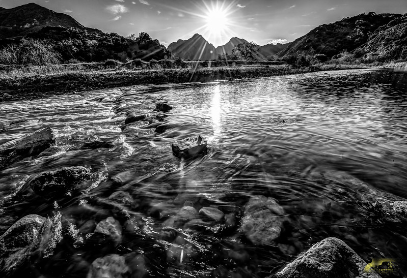 nikon d3x hdr 14-24 mm 2.8 piuma road and malibu creek 1158_59_60_61_62_63_64_fused-2.jpg