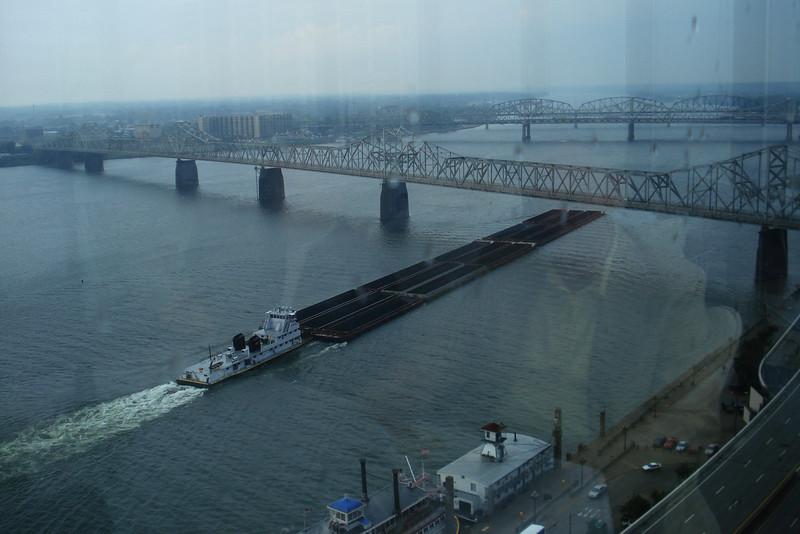Pushing Barges on the Ohio 1.jpg
