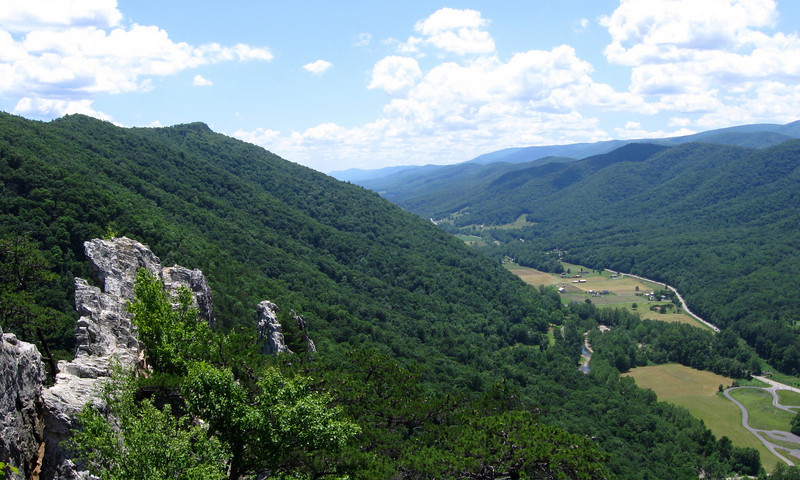 Seneca Rocks  (3.0 miles; d=4.70)