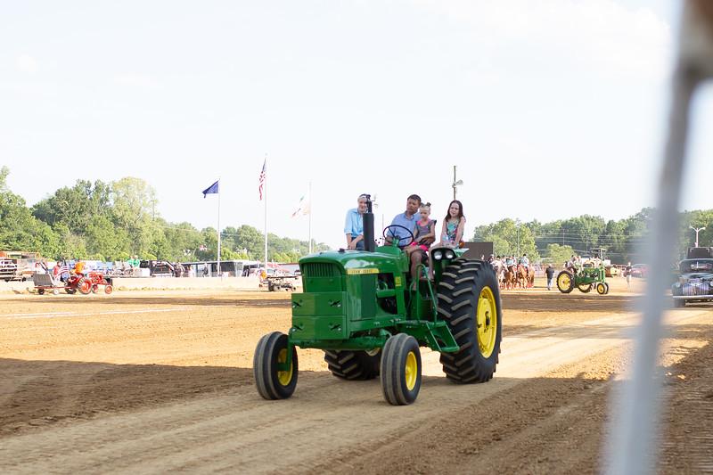 Antique Tractor Parade-100.jpg