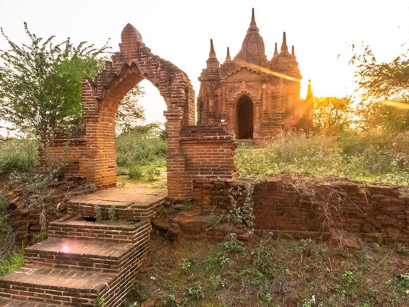 Myanmar Bagan Temples_P1170630.jpg