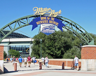 BASEBALL PARKS - MILLER PARK - MILWAUKEE BREWERS