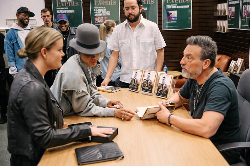 2019_2_28_TWOTW_BookSigning_SP_161.jpg