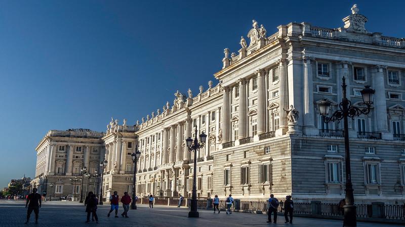 00370 Royal Palace 16x9.jpg