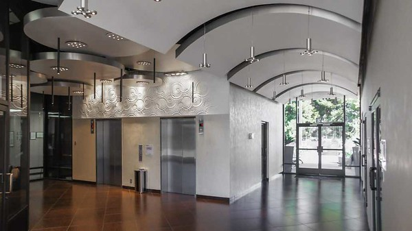 5 - Story Creative Office in SFV