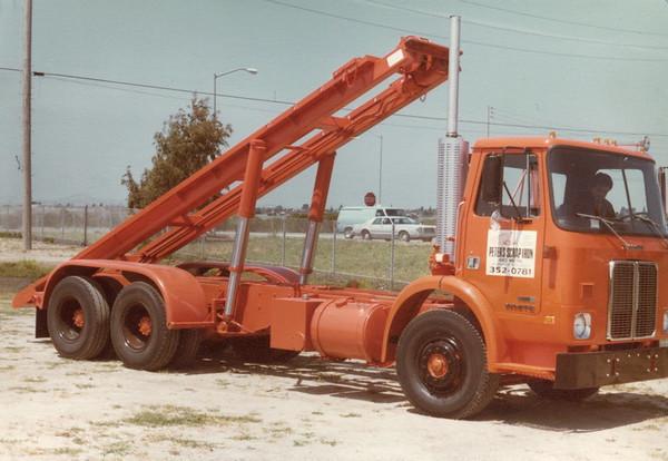 Three Axle Roll Off
