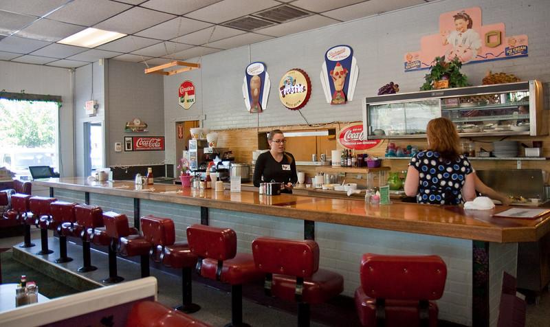 6077 Restaurant med.jpg