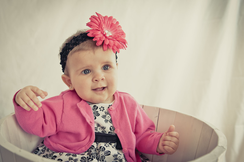 Lily at 6 months-4788.jpg