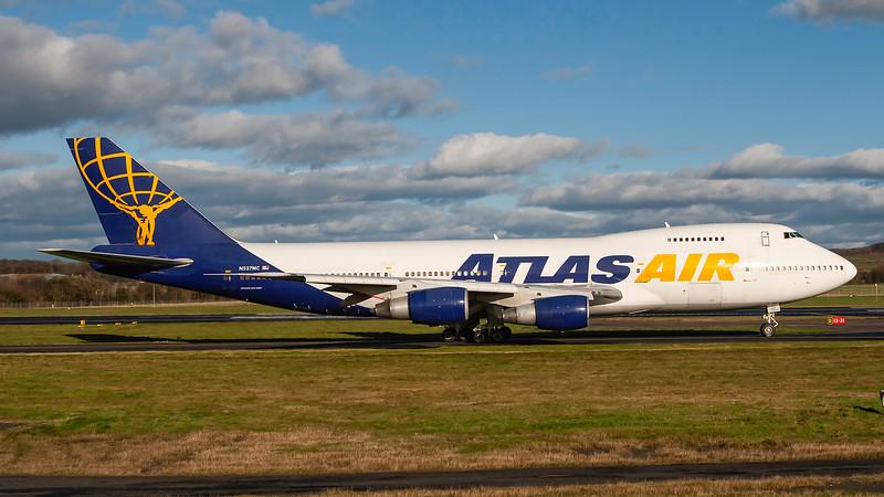 N527MC. Boeing 747-2D7B(SF). Atlas Air. Prestwick. 111107.