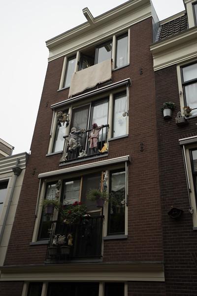 09-17-16 DSC01222 Amsterdam Along walk.jpg