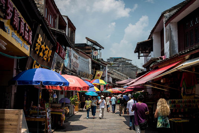 Yangshuo market-5284.jpg