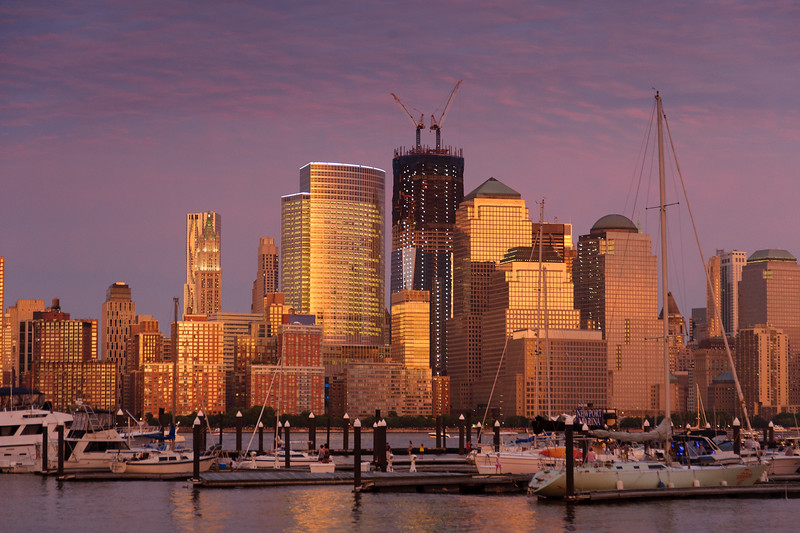 Manhattan-with-freedom-tower-construction-2011.jpg